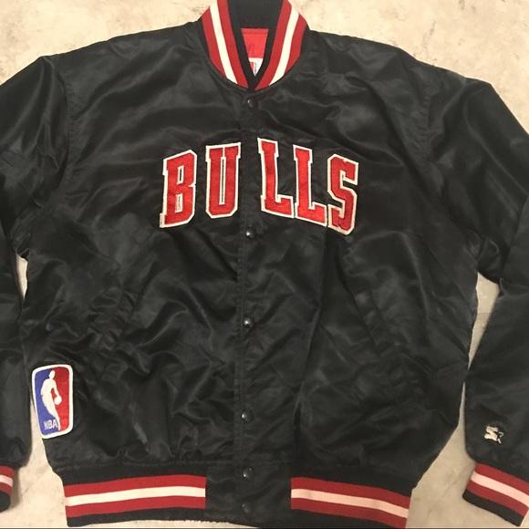 2f662888f3914c Vintage Chicago Bulls Starter Jacket. M 5a37e267fcdc316af604974e